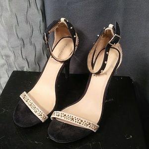 Womens heels size 8 1/2